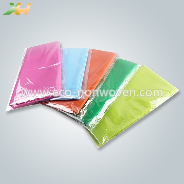 Eco-friendly customized size 1.4x2.4m pp spunbond non woven tablecloth