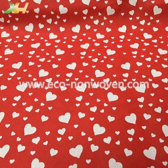 Good Effect & Lovely White Heart Printing PP Spunbond TNT Nonwoven For Flowers